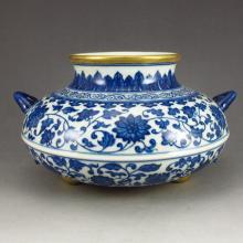 Gilt Edges Chinese Blue And White Porcelain Double Ears Pot w Qianlong Mark