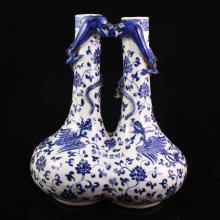 Exquisite Hand-painted Chinese Blue And White Porcelain Twins Vase