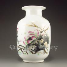 Hand-painted Chinese Su Cai Porcelain Vase w Lotus Flower
