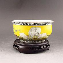 Hand-painted Chinese Yellow Ground Gold-plating Famille Rose Porcelain Bowl w Marked