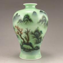 Hand-painted Chinese Green Glaze Su Cai Porcelain Vase w Marked