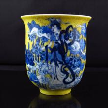 Superb Hand-painted Chinese Yellow Ground Blue And White Porcelain Cup w Mark