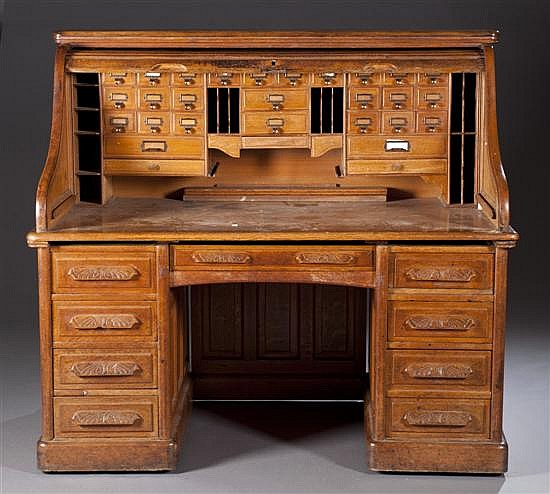 Late 19th Century Victorian Oak Desk