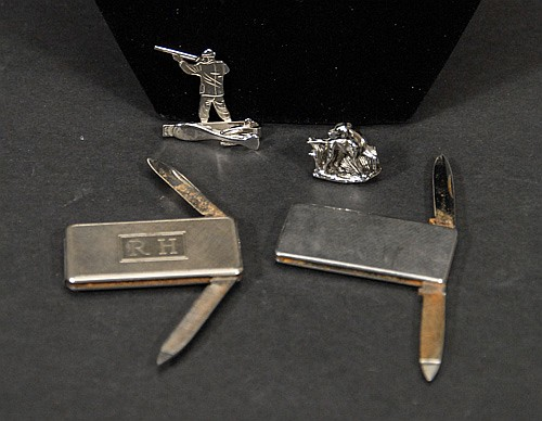 Hickok Hunt Themed Tiebar, One Cufflink andTwo Money Clips