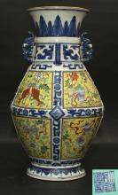 A LARGE CHINESE ROSE FAMILLE WITH BLUE AND WHITE PORCELAIN VASE