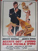 Movie Poster - The Man With the Golden Gun - in Italian -  Roger Moore