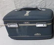 Vintage Cosmetic Train case - blue