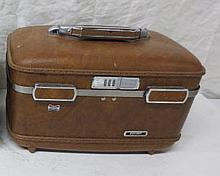 Vintage Cosmetic Train case - brown
