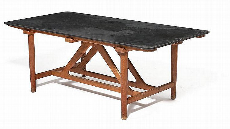Børge Mogensen: Unique oak dining table with top of black slate. Designed in 1951. L. 195 cm.