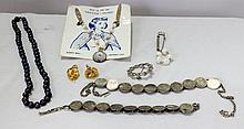 A Selection of Vintage Costume Jewellery,