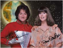 MORK & MINDY 1970s-1980s ROBIN WILLIAMS & PAM DAWBER SIGNED PHOTOS (x4)