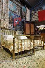 Paire de lits en 90 de large, en laiton avec leurs literies.