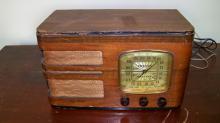 RCA Model 85T1 Short Wave/AM Radio