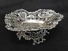 Late Victorian William Comyns London Silver Dish