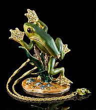 Tree Frog Jewelry Box & Necklace