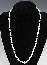 LADIES GRADUATED PEARL NECKLACE W/ 14K CLASP