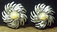 Vintage Sarah Coventry Faux Pearl Earrings.