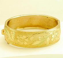 1940's Vintage Floral & Leaf Bangle Bracelet