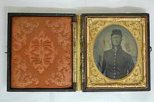 AMBROTYPE CIVIL WAR SOLDIER WITH RIFLE W/ BAYONET,