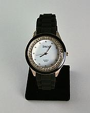 Elegant Casual Lady's Watch W/rhinestones