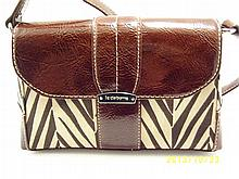 Liz Claiborne Small Shoulder/Crossbody Handbag.