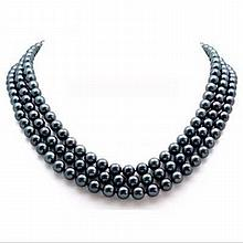 Lovely Tahitian Natural Black Pearl Necklace