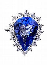 Exquiste Tanzanite & Diamond Ring