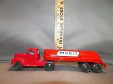 Toy-Tootsie Truck