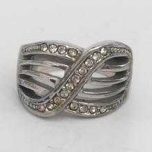 Vintage sterling silver ring with white rhinestones