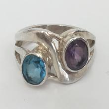 Vintage sterling silver ring with bezel set genuine oval faceted blue topaz and amethyst