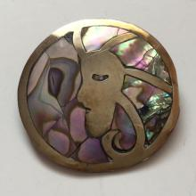 Vintage gold plated round pin brooch with inlayed mother of pearl in shape of LADY PROFILE, signed ALPACA