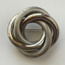 Silver toneLove Knot design pin brooch