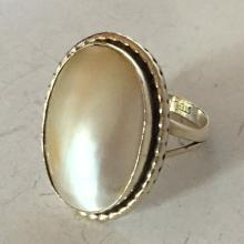 Vintage sterling silver mother of pearl ring, size 8