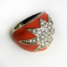 Silver tone Red enamel faceted white rhinestones Star ring