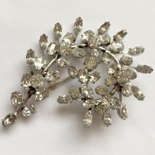 Vintage silver tone prongs set pear, oval and round shape rhinestones leaves shape brooch pin