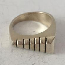 Vintage sterling silver ring, size 7 1/2