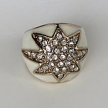 Gold  tone White enamel faceted rhinestones Star ring