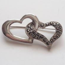Sterling silver DOUBLE OPEN HEARTS shape pin brooch with marcasites, signed 925, WS