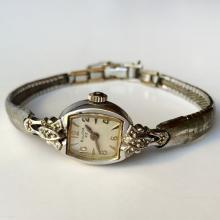 Vintage ladies BULOVA 23 10k rolled gold plate diamond watch with bracelet