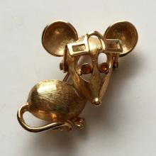 Gold plated textured pin brooch in shape of MOUSE WITH MOVING PRESCRIPTION GLASSES and yellow rhinestones eyes, signed AVON