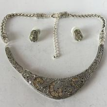 Silver tone filigree style wheat chain rhinestones necklace and ear studs SET