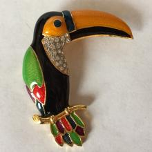 Gold plated crystals parrot shape enameled brooch / pin, no hallmarked