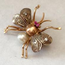 Antique 14k pink gold and sterling silver with rose cut diamonds, ruby eyes and genuine white Akoya pearl bee pin / brooch