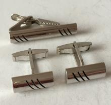 Silver tone set: cufflinks and tie clip with 3 black lines design on front