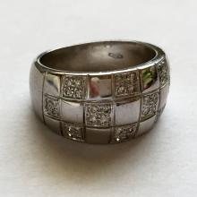 18kt white gold ring with pave set diamonds and nice gallery from back side