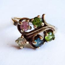 Vintage 14kt yellow gold with prongs set lab created stones ring