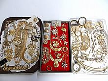 Costume Jewelry Grouping Goldtone