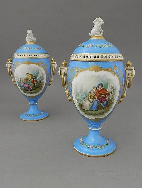 A pair of French vases, 19th century, of classical