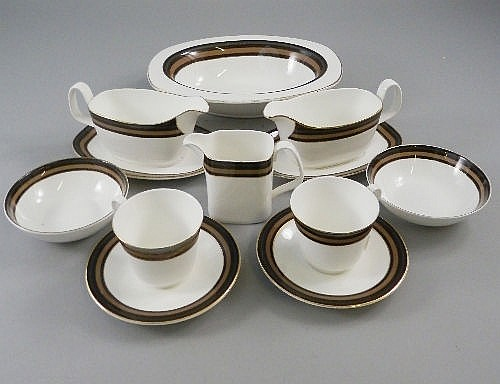 A Royal Doulton Cadenza part dinner service, 20th