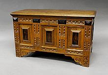 A rectangular oak chest, 19th/20th century, with l